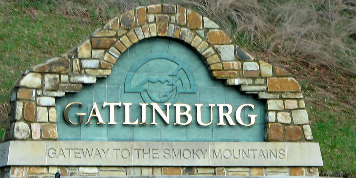 Gatlinburg Tennessee - A drive through Town