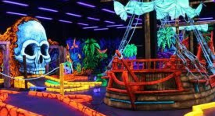 3D Blacklight Circus Golf at The Amazing Mirror Maze